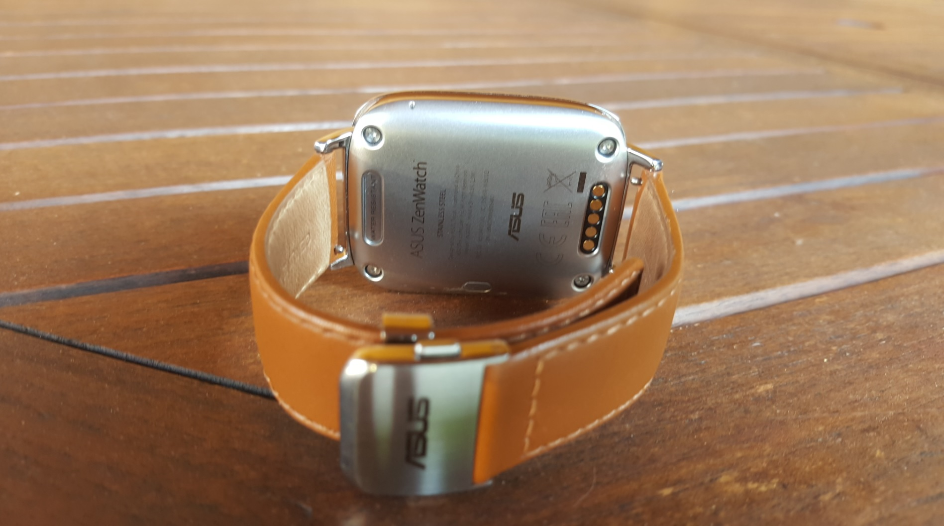 asus zenwatch traseira